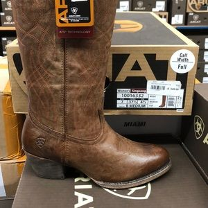 Ladies Ariat singsong tall brown boot NWT
